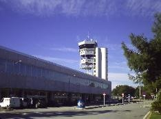 alicante airport image